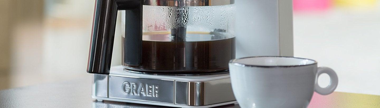 Kaffee wie von Hand gegossen -