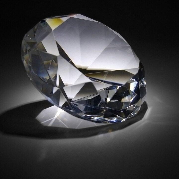 DIAMOND - None